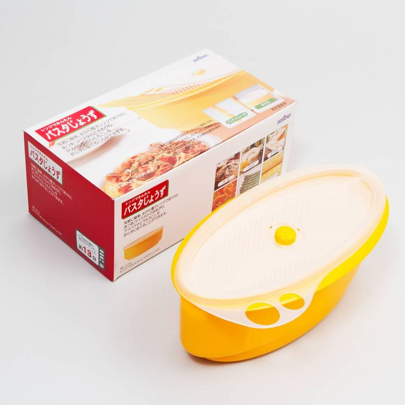 recipiente-para-cozinhar-macarrao-no-microondas-Akebono-embalagem-e-conteudo